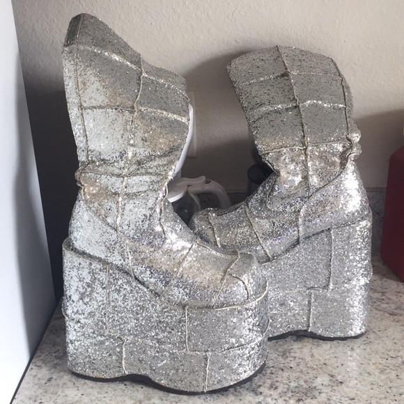 bc60cc6b814 demonia Shoes - Glitter demonia platform stacks sz7